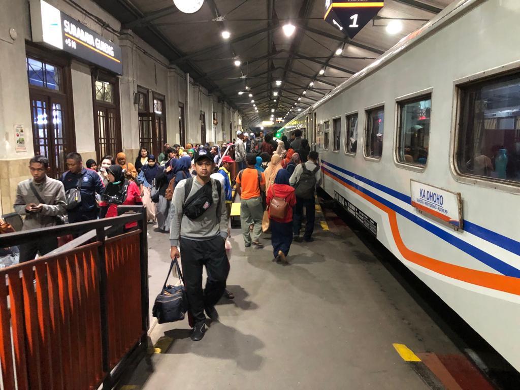 13 April Besok KAI Gratiskan Tiket Kereta Lokal Surabaya