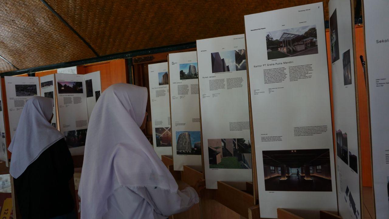 Geliat Arsitek Muda Banyuwangi Mewarnai Desain Lokal