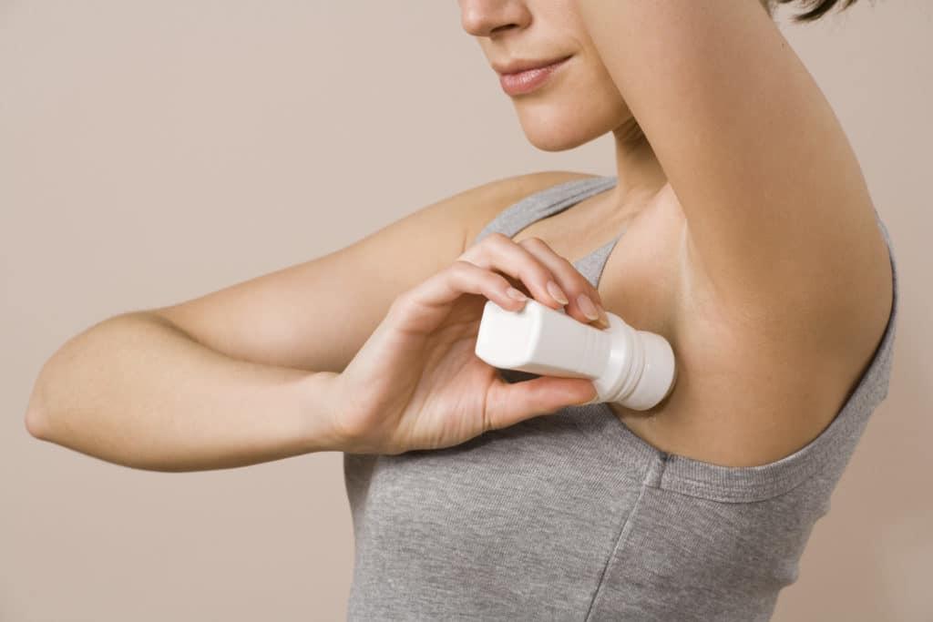 Pemakaian Deodoran Saat Kulit Basah Risiko Iritasi