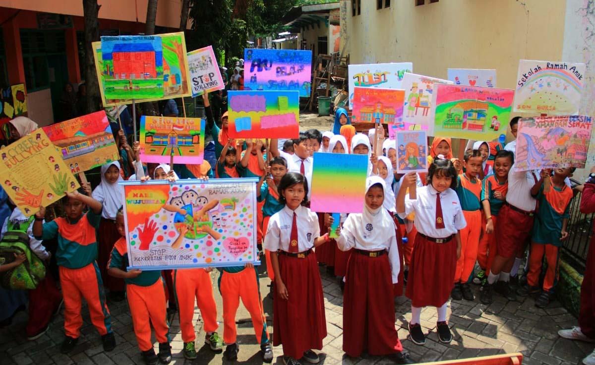 Pelajar Sekolah Dasar Di Surabaya Deklrasi Anti Bullying