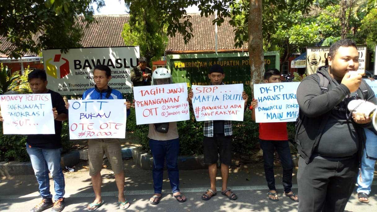 Mahasiswa Tuntut Kasus Politik Uang di Ponorogo Diusut Tuntas