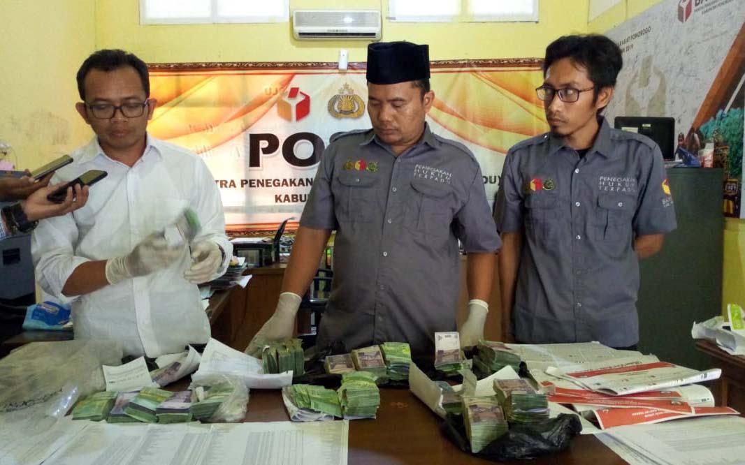 Tangkap Pelaku Politik Uang, Bawaslu Ponorogo Sita Rp66 Juta