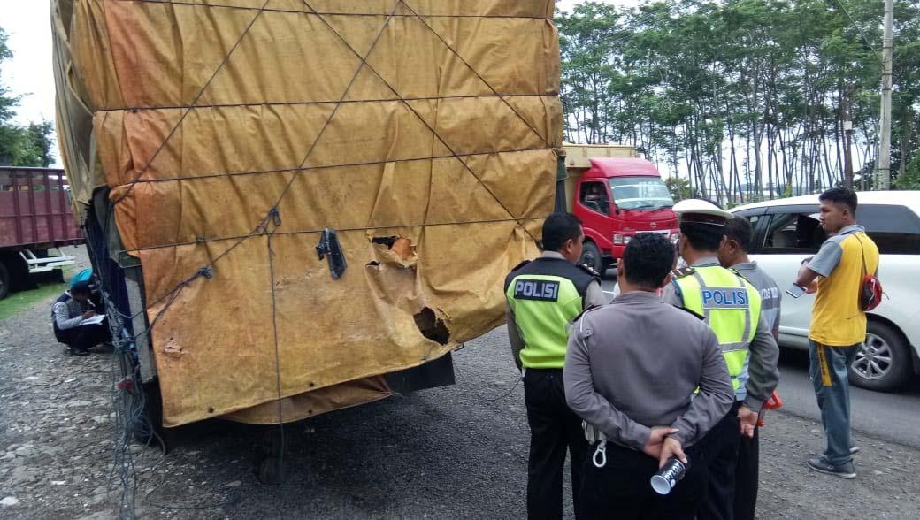 Polda Jatim Bantu Ungkap Kronologi Laka Minibus di Probolinggo