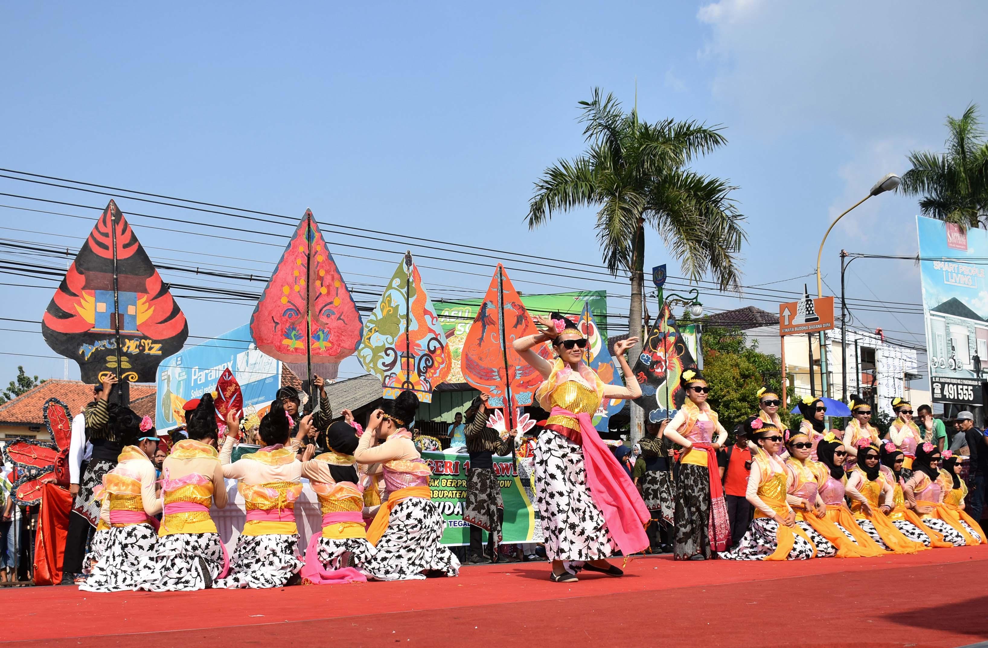 Bandung Peringati Hari Kartini dengan Menari Selama 21 Jam