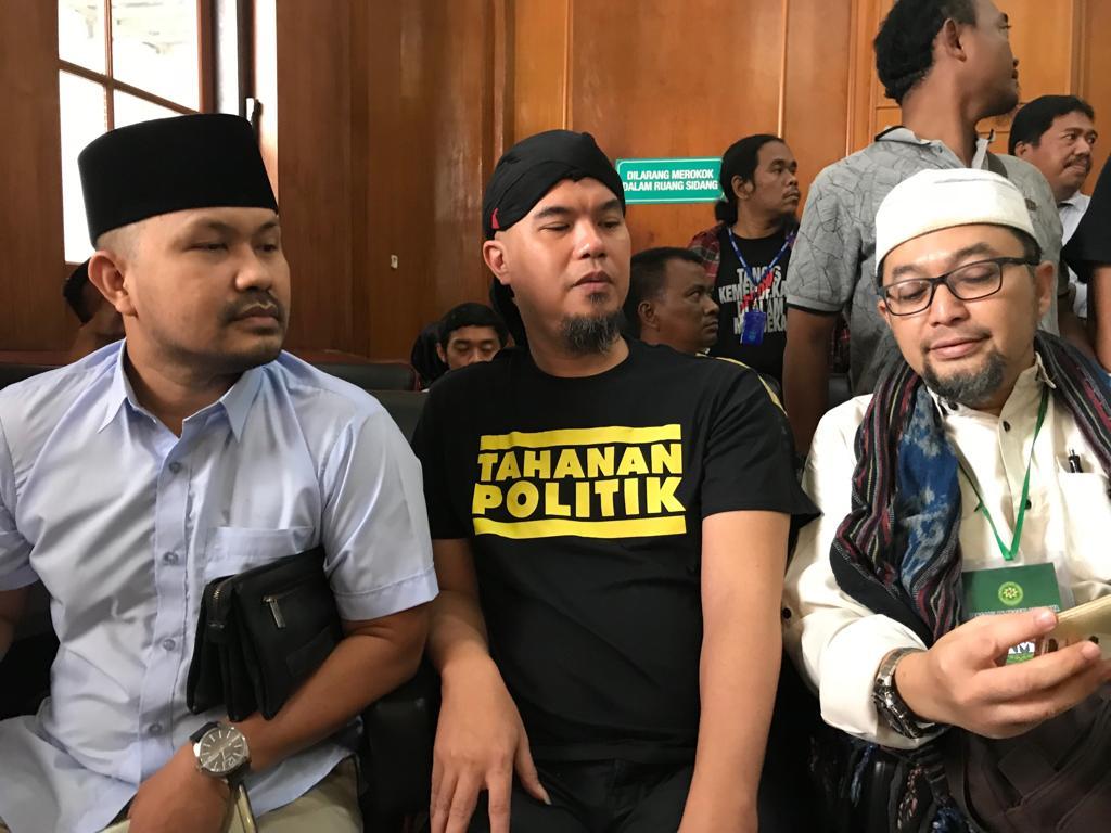 Sidang Berikutnya, Ahmad Dhani Pakai Rompi Tahanan