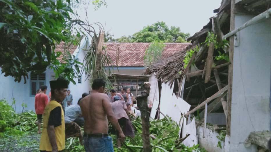 Sepekan, 81 Rumah di Probolinggo Rusak Diterjang Angin Kencang