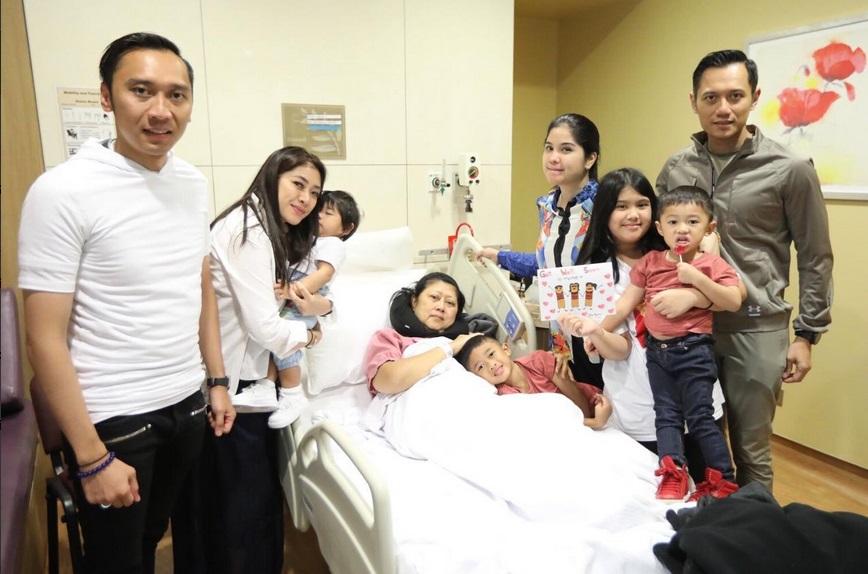 Doa Politisi Untuk Kesembuhan Ani Yudhoyono di Twitter