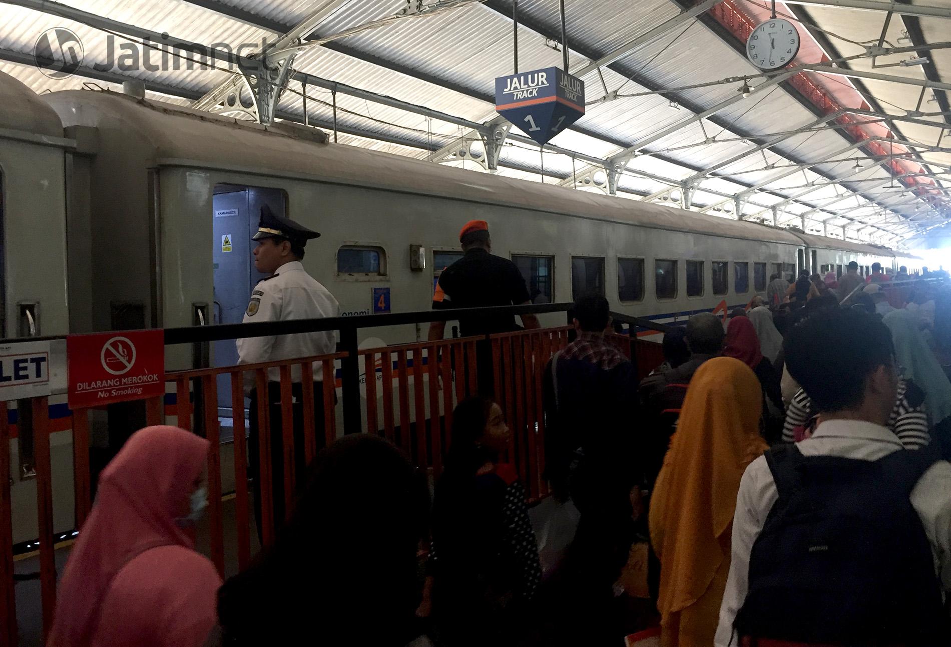 Daop 9 Sediakan 4.240 <em>Seat</em> Arus Balik Lebaran