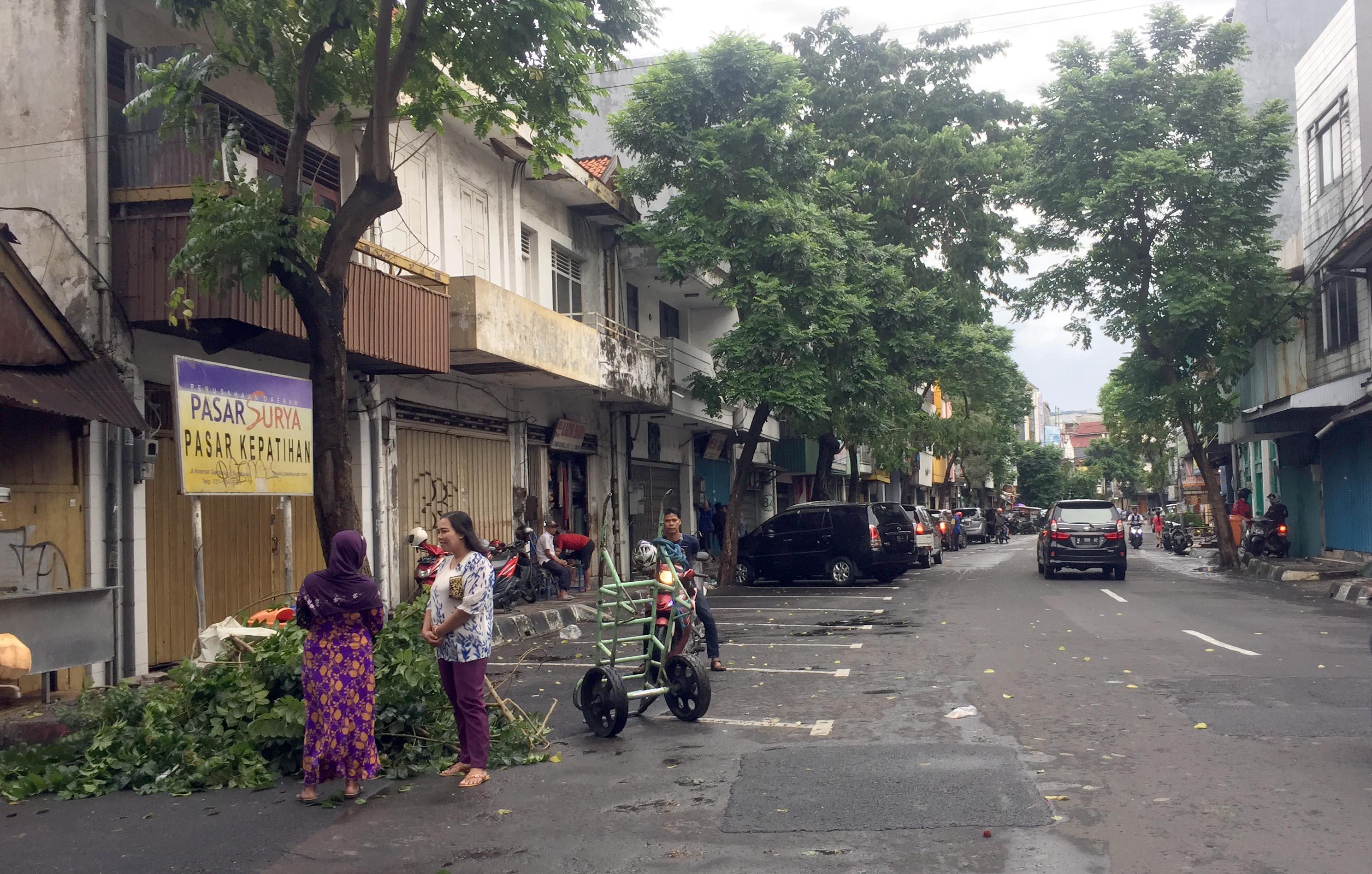 Kisah di Balik Nama Jalan Kramat Gantung Surabaya  26df220515
