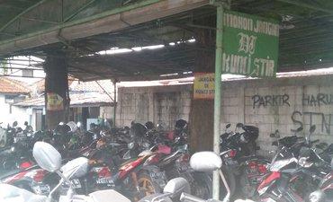 pemudik-ramai-usaha-parkir-di-terminal-bungurasih-sepi-pelanggan