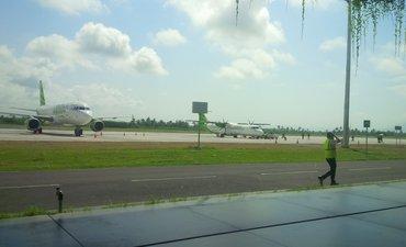 jelang-lebaran-kedatangan-penumpang-malaysia-meningkat-di-bandara-banyuwangi