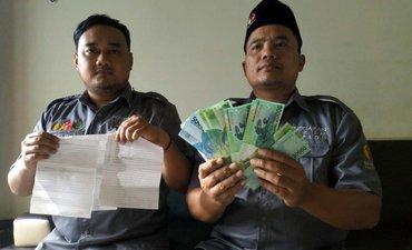 warga-ponorogo-tangkap-tangan-pelaku-politik-uang