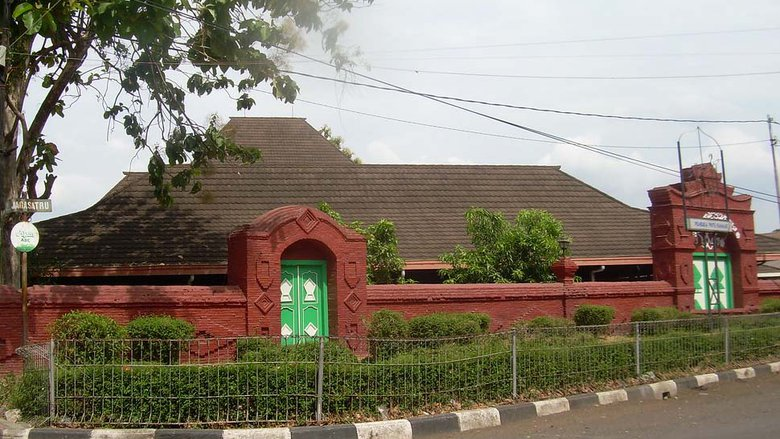 kisah-azan-pitu-di-masjid-agung-sang-cipta-rasa
