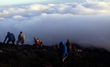 2019-sembilan-orang-meninggal-saat-mendaki-gunung-di-jawa