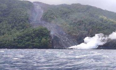 pvmbg-tetapkan-zona-berbahaya-sektoral-gunung-karangetang