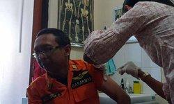 agar-terlindungi-rescuer-kantor-sar-surabaya-divaksin-anti-tetanus