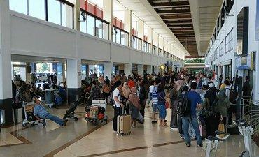 jumlah-penumpang-di-bandara-juanda-turun-34-persen