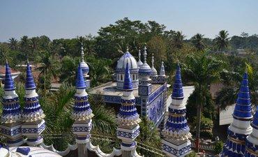 masjid-10-lantai-di-malang-wisatawan-rusia-pun-kepincut