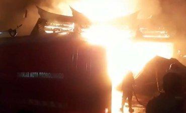 klenteng-tri-dharma-probolinggo-yang-terbakar-berusia-150-tahun
