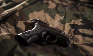 bawa-pistol-ke-sekolah-dua-pelajar-tembaki-murid-lain