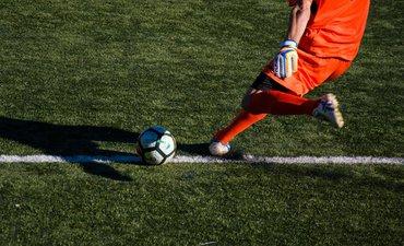 honor-pesepak-bola-liga-cina-masuk-peringkat-6-dunia