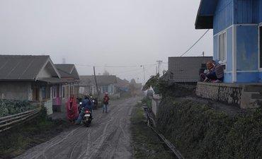 warga-lereng-bromo-mulai-terkena-ispa-akibat-abu-vulkanik