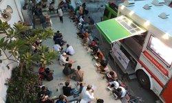 bukber-dengan-sajian-humanity-food-truck-di-masjid-al-husna