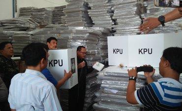 logistik-pemilu-2019-kota-surabaya-siap-90-persen