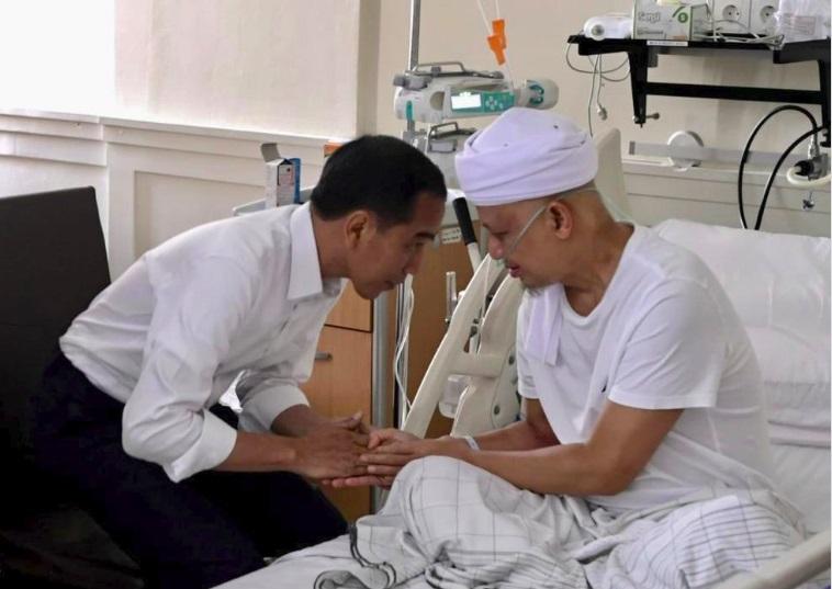 Doa Dari Jokowi dan Prabowo Untuk Arifin Ilham