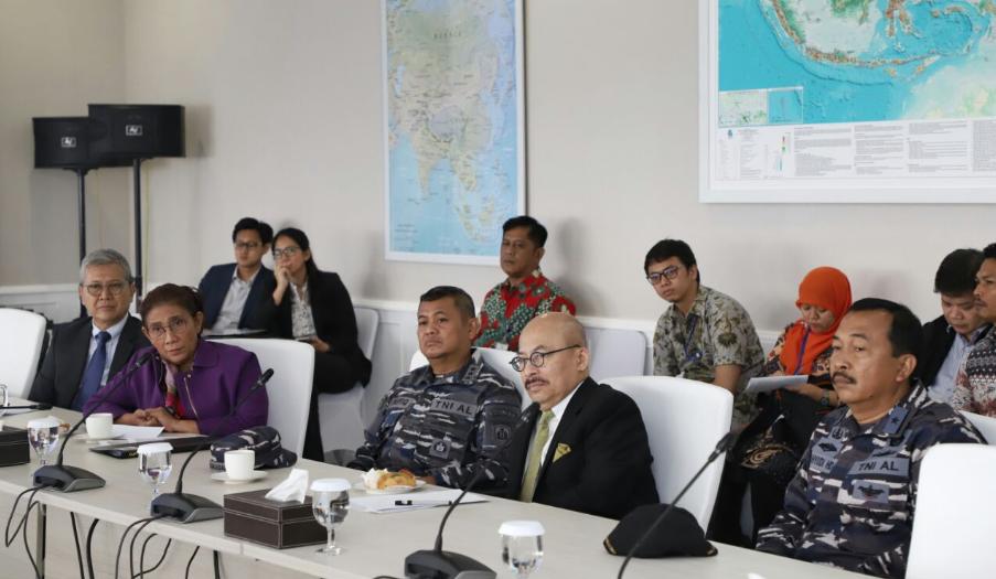 Kapal Perikanan Ilegal Berbendera Malaysia Ditangkap