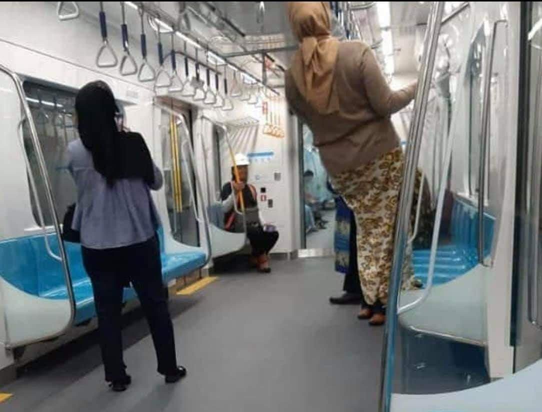 Menhub Sayangkan Perilaku Penumpang saat Uji Coba MRT