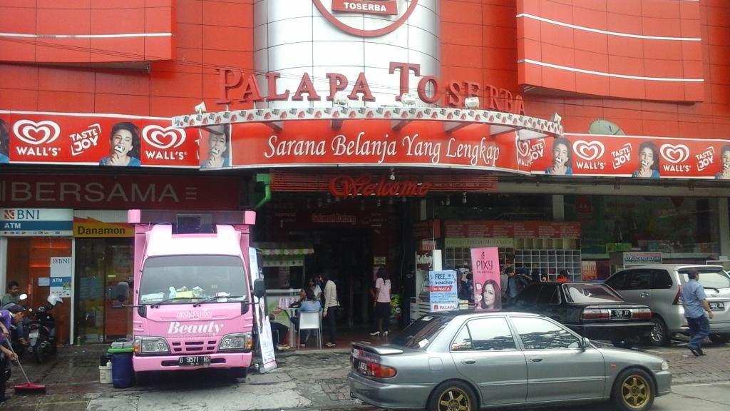 Swalayan Lokal yang Bertahan di Surabaya