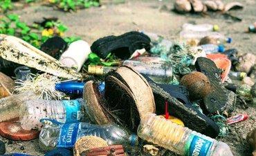 pemprov-jatim-konsultasi-dengan-bea-cukai-sikapi-impor-plastik