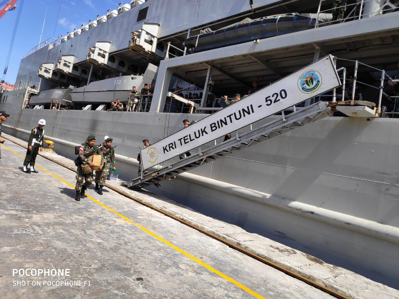 Usai Satgas Pamtas RI-PNG, 450 Prajurit Diangkut KRI Bintuni
