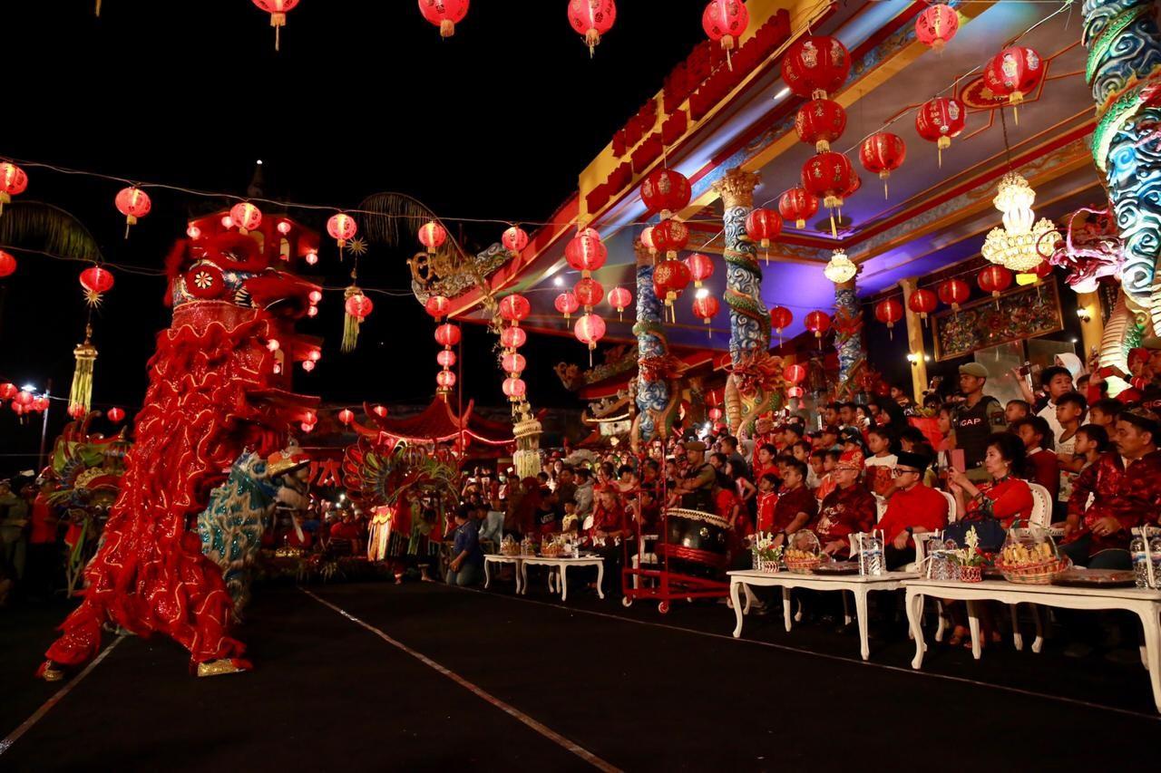 Festival Imlek Suguhkan Ribuan Porsi Lontong Cap Go Meh