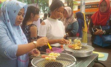 warga-banyuwangi-serbu-festival-kuliner-dan-takjil-ramadan
