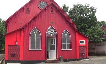 mengenal-gereja-merah-di-kota-probolinggo