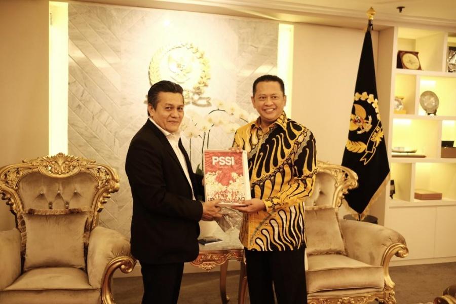 Ketua DPR Optimis Sepak Bola Indonesia Bisa Maju