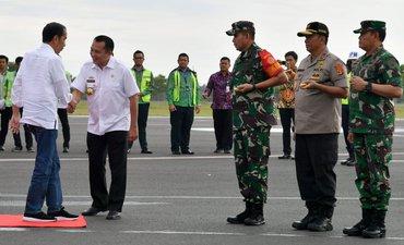 p-presiden-tinjau-lokasi-terdampak-tsunami-di-lampung-p