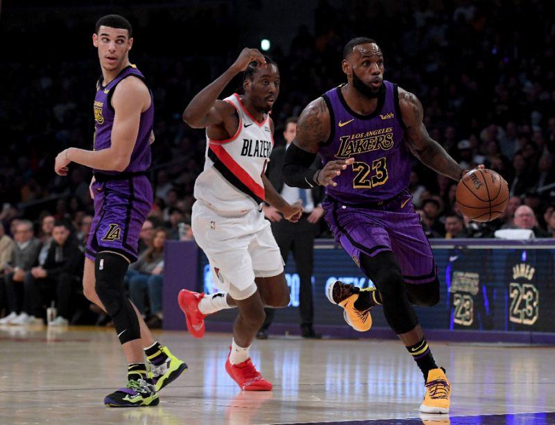 James Masuk Lima Besar Pengumpul Poin Terbanyak NBA