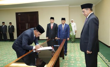 jadi-rektor-universitas-islam-internasional-indonesia-begini-kata-komarudin-hidayat