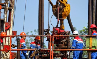 cadangan-migas-indonesia-capai-800-juta-barel