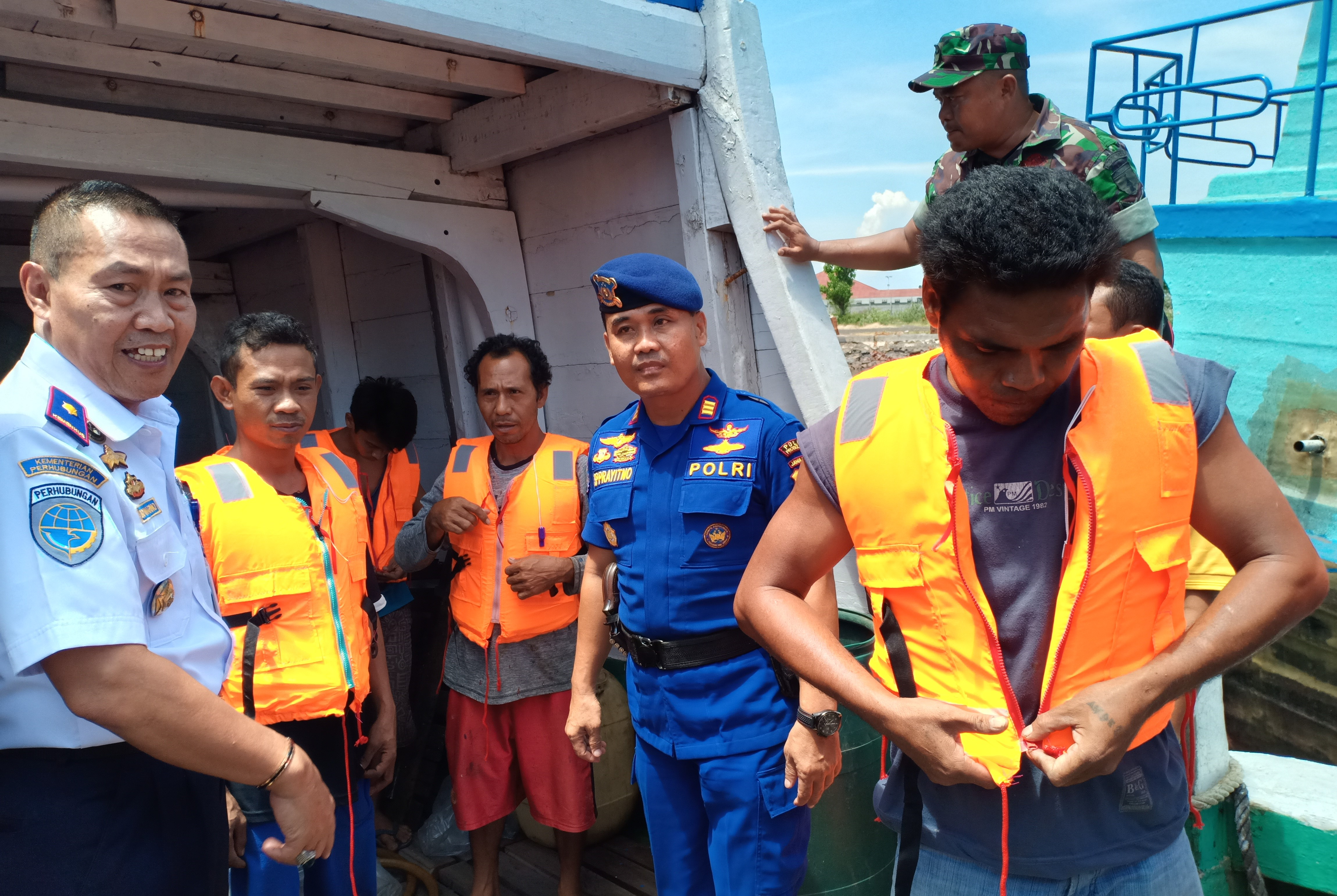 Tekan Korban Kecelakaan, Nelayan Probolinggo Dibekali 'Life Jacket'