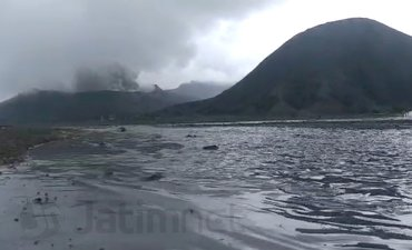 muncul-limpasan-air-di-kaldera-gunung-bromo