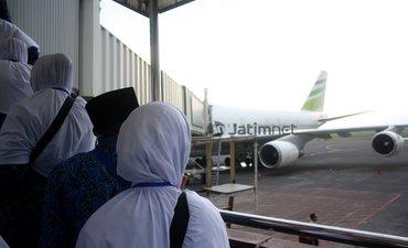 p-penumpang-internasional-berkontribusi-besar-di-bandara-internasional-juanda-p