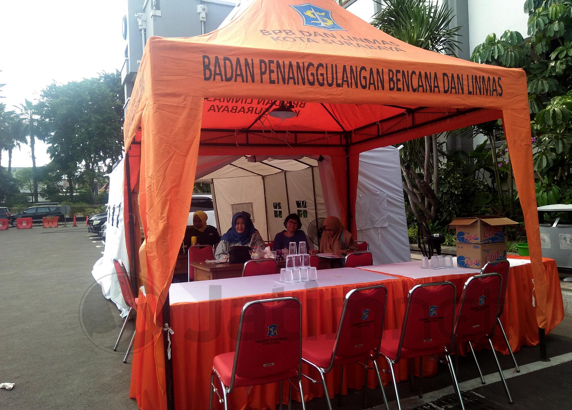 Pemkot Surabaya Salurkan Dana Bantuan untuk Bencana Banjir