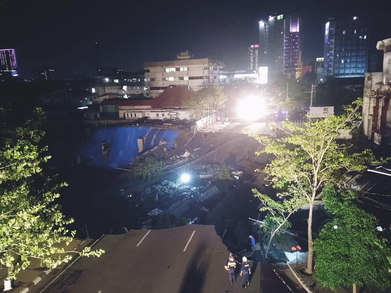 Jalan Raya Gubeng Surabaya Amblas