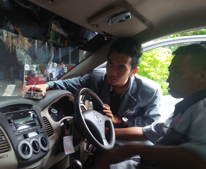 Mahasiswa Stikom Ciptakan Si Dekan, Detektor Kantuk Pengemudi Mobil
