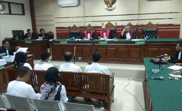 enam-anggota-dprd-kota-malang-dihukum-empat-tahunan