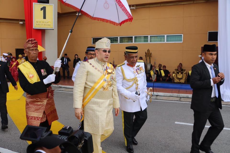 Di Balik Mundurnya Sultan Muhammad V